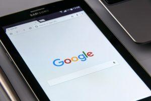 Jak włączyć asystenta Google?